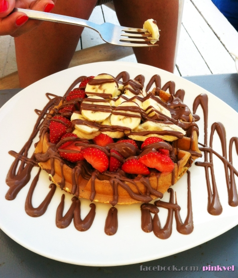 How about a delicious Waffle in a Beach-Bar?